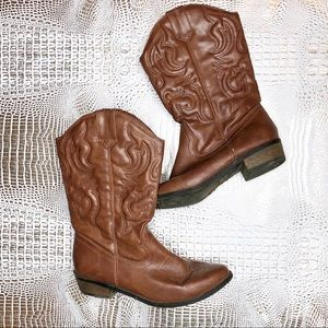 Shoes - Cowgirl Boots!